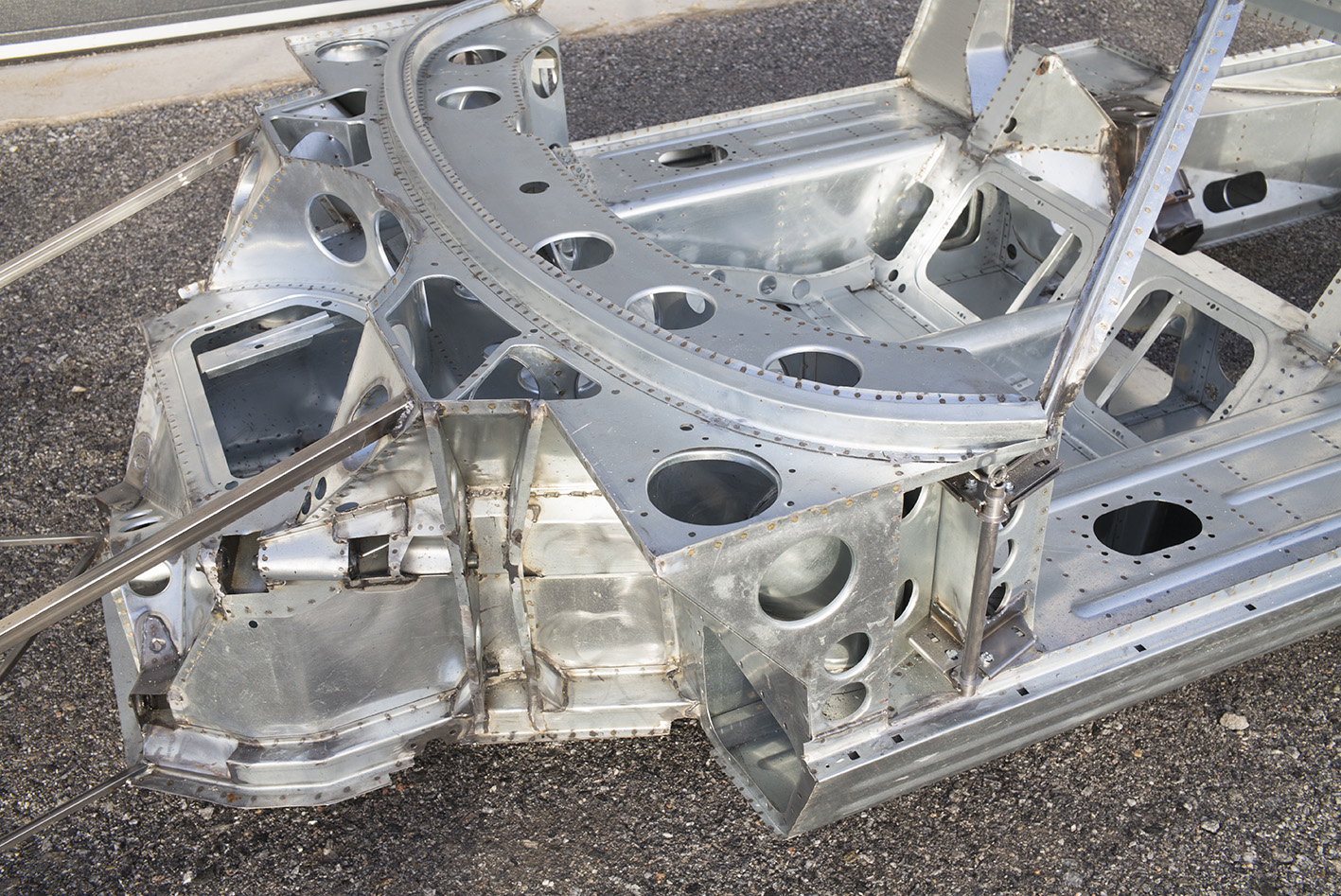 GT40-12