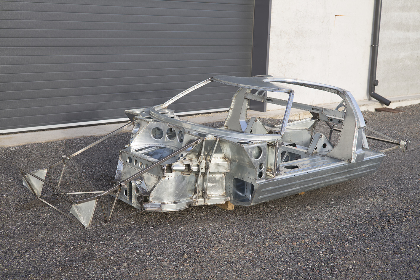 Racing In Car >> GT40 Monocoque Chassis – Building and Racing a Legend